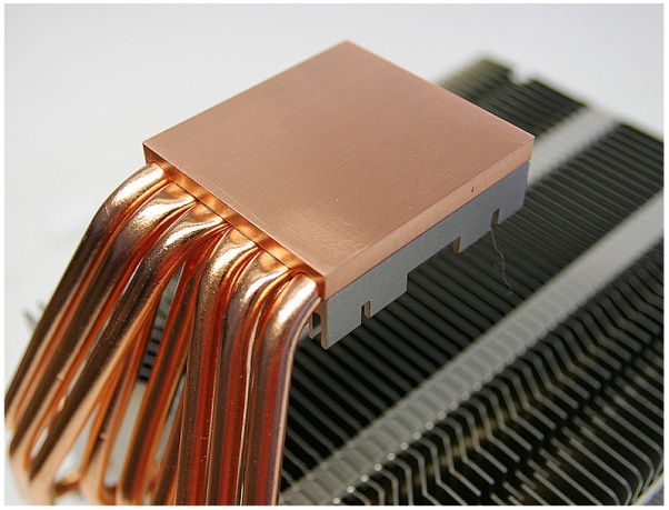 废电脑回收:世界第一大,Silentmaxx推出TwinBlock被动散热器